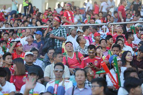CDV Myanmar gio 'ngon tay thoi' ve phia Cong Vinh - Anh 1