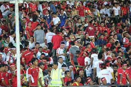 CDV Myanmar gio 'ngon tay thoi' ve phia Cong Vinh - Anh 3