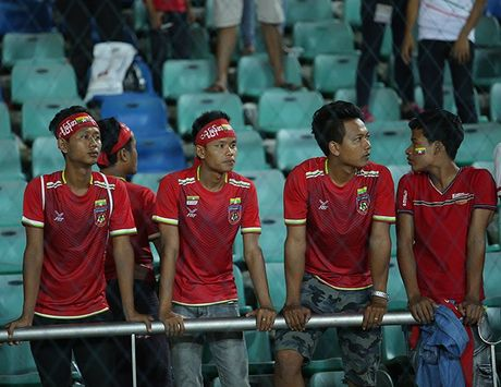 CDV Myanmar gio 'ngon tay thoi' ve phia Cong Vinh - Anh 7