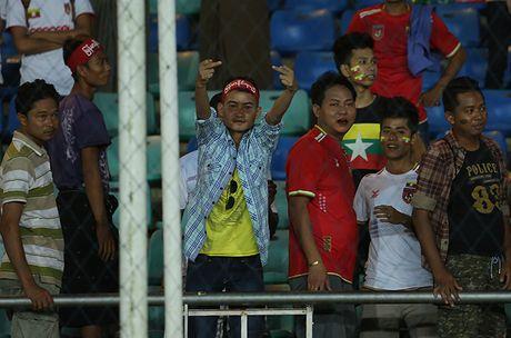 CDV Myanmar gio 'ngon tay thoi' ve phia Cong Vinh - Anh 8