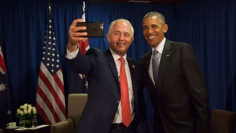 Thu tuong Australia luu luyen Obama, xin chup selfie tu biet - Anh 1