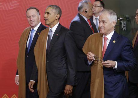 Thu tuong Australia luu luyen Obama, xin chup selfie tu biet - Anh 2