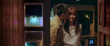 Hinh anh giuong chieu nong bong cua Tran Thanh va hotgirl The Face - Anh 3
