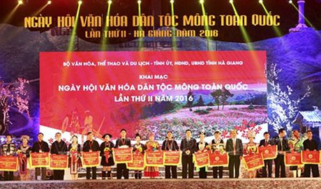 Khai mac Ngay hoi van hoa dan toc Mong toan quoc lan thu II - Anh 1