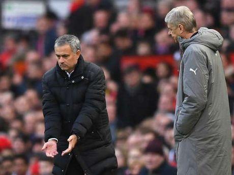 Mourinho lai mia mai Wenger: 'Cuoi cung toi da thua ong ay' - Anh 1