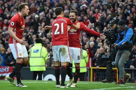 Chum anh: Mourinho thay doi cam xuc chong mat o tran hoa Arsenal - Anh 10