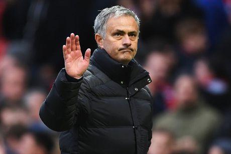 Chum anh: Mourinho thay doi cam xuc chong mat o tran hoa Arsenal - Anh 16