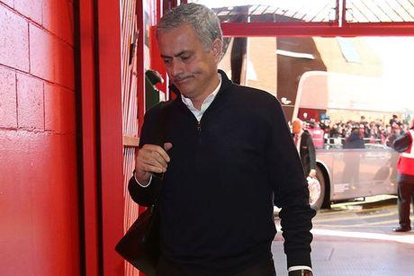 Chum anh: Mourinho thay doi cam xuc chong mat o tran hoa Arsenal - Anh 2