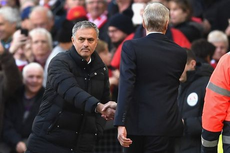 Chum anh: Mourinho thay doi cam xuc chong mat o tran hoa Arsenal - Anh 3