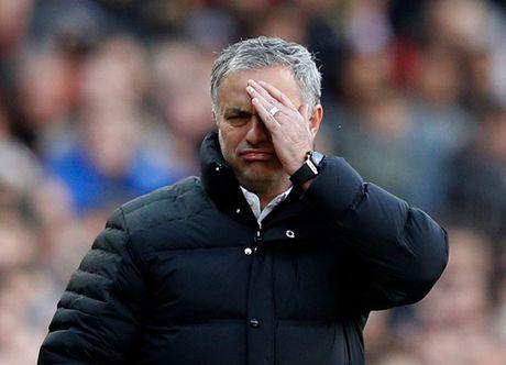 Chum anh: Mourinho thay doi cam xuc chong mat o tran hoa Arsenal - Anh 8