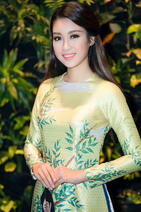 Hoa hau My Linh di chuyen nhu con thoi van dep hut mat - Anh 10