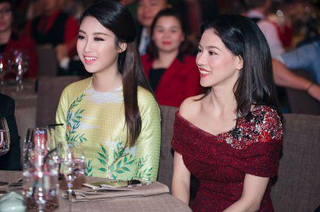 Hoa hau My Linh di chuyen nhu con thoi van dep hut mat - Anh 12