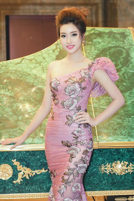Hoa hau My Linh di chuyen nhu con thoi van dep hut mat - Anh 7