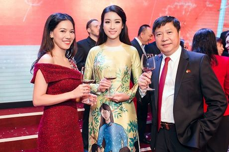 Hoa hau My Linh di chuyen nhu con thoi van dep hut mat - Anh 9