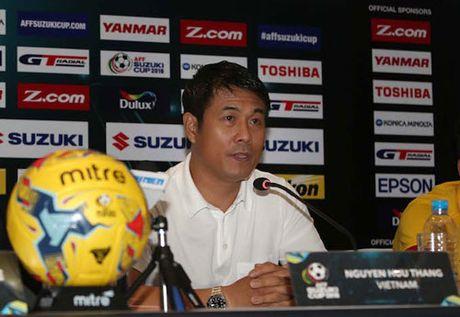 HLV Huu Thang 'tang boc' Malaysia truoc tran 'chung ket' - Anh 2