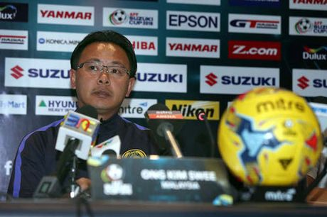 HLV Huu Thang 'tang boc' Malaysia truoc tran 'chung ket' - Anh 3