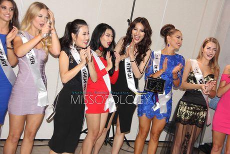 Kha Trang khoe ve rang ro tai HH Sieu quoc gia 2016 - Anh 3
