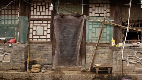 Nhung ngoi lang ngheo quanh Van Ly Truong Thanh 'doi doi' nho dia the - Anh 1