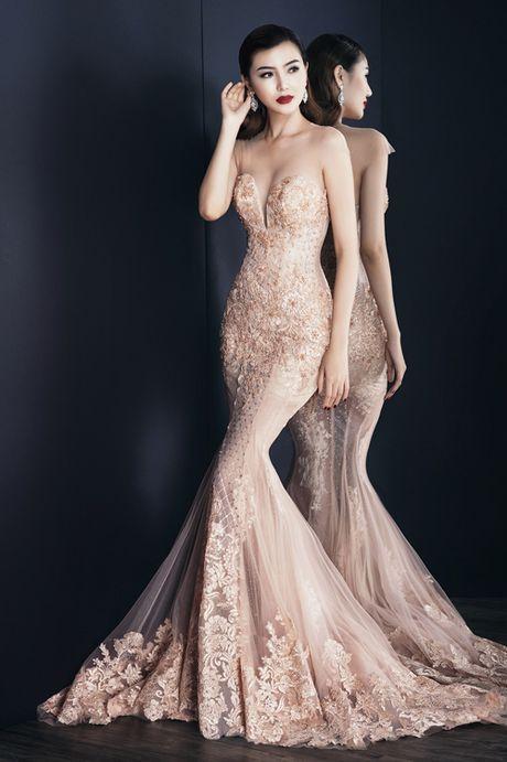 Nguoi dep Ngoc Duyen du show Victoria's Secret tai Paris - Anh 1