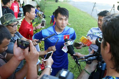 Cong Vinh: 'Vuot qua cai nang tai Myanmar, tuyen Viet Nam se thang Malaysia' - Anh 1