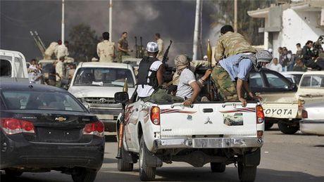 Libya: Xung dot dam mau vi khi tan cong nu sinh - Anh 1