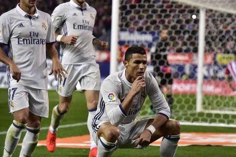 Ronaldo hat-trick: Dap tan do ki, nam chac Bong vang - Anh 1