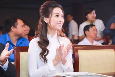 Hoa hau Do My Linh lien tuc khoe vong eo con kien goi cam - Anh 10