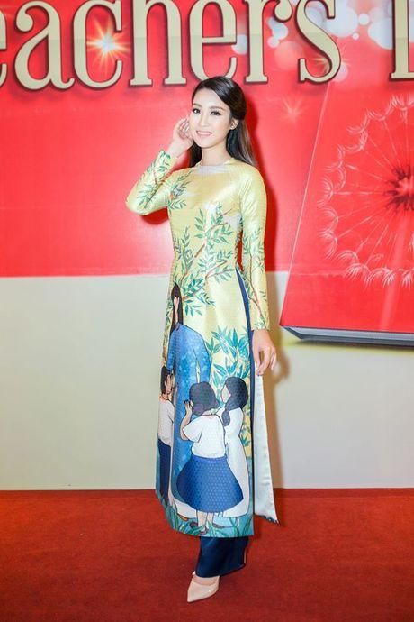Hoa hau Do My Linh lien tuc khoe vong eo con kien goi cam - Anh 3
