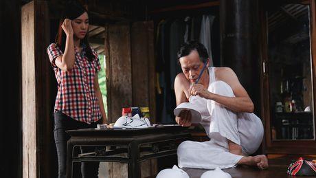 """Hoai Linh tro lai voi vai dien hai so truong trong bo phim hai Noel """"Ba vo cuoi vo Ba"""" - Anh 3"""