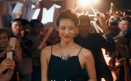 Tran Thanh 'khoa moi' Lilly Nguyen dam duoi - Anh 1