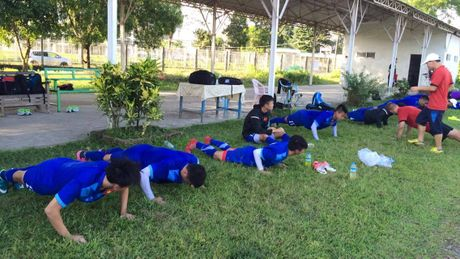 Tuyen Viet Nam thoai mai tap luyen truoc tran Malaysia - Anh 3