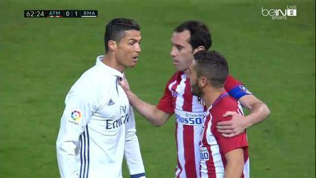 Koke gap rac roi vi bi to treu Ronaldo la 'thang dong tinh' - Anh 2