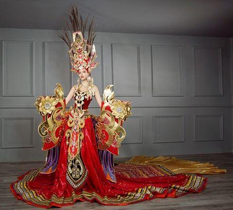 Chiem nguong bo quoc phuc 45kg cua Kha Trang tai Hoa hau Sieu quoc gia - Anh 1