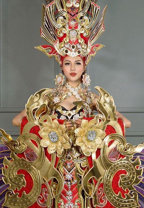 Chiem nguong bo quoc phuc 45kg cua Kha Trang tai Hoa hau Sieu quoc gia - Anh 3