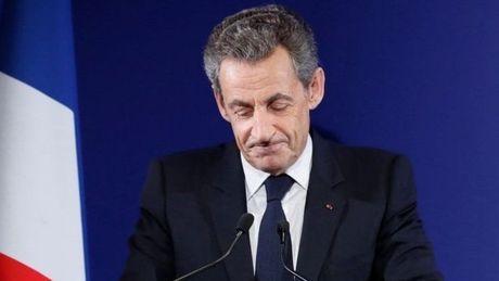 Ong Sarkozy bi loai khoi cuoc dua tong thong Phap - Anh 1