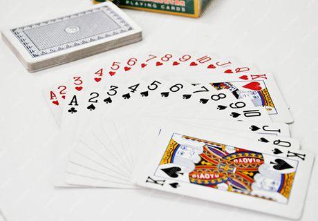 Noi minh bi casino giam giu, con trai gat cha 3.000 USD - Anh 1