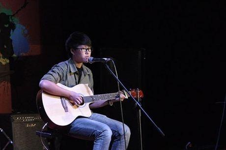 He lo hinh anh luc chua chuyen gioi cua chang trai dang gay sot cua 'Sing My Song' - Anh 12
