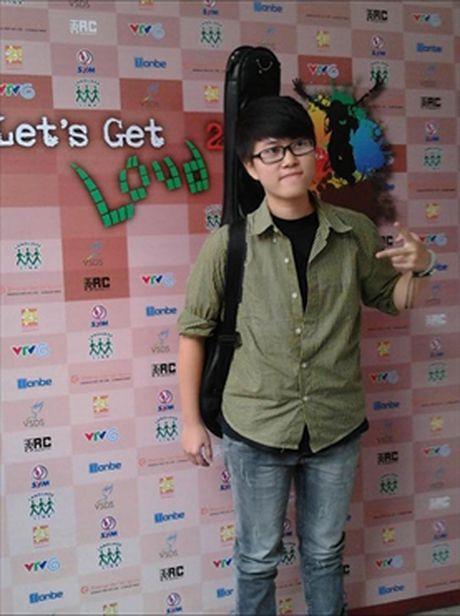 He lo hinh anh luc chua chuyen gioi cua chang trai dang gay sot cua 'Sing My Song' - Anh 13