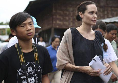 Me ruot Pax Thien phu nhan tin don doi con tu Angelina Jolie - Anh 1