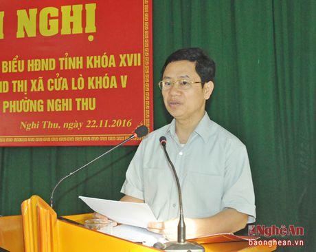 Pho Bi thu Thuong truc Tinh uy Nguyen Xuan Son tiep xuc cu tri thi xa Cua Lo - Anh 1