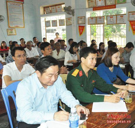 Pho Bi thu Thuong truc Tinh uy Nguyen Xuan Son tiep xuc cu tri thi xa Cua Lo - Anh 2