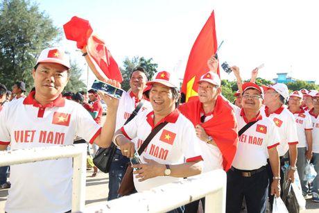 Tiep them 'lua' cho doi tuyen Viet Nam - Anh 2
