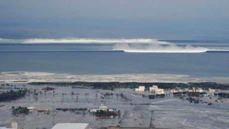 Nhat Ban: Dong dat 7,3 do Richter, song than ngoai khoi Fukushima - Anh 1