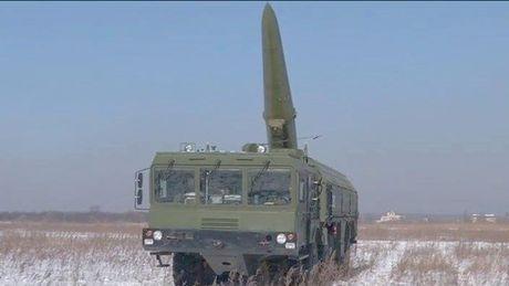 Nga trien khai ten lua den Kaliningrad doi pho NATO - Anh 1