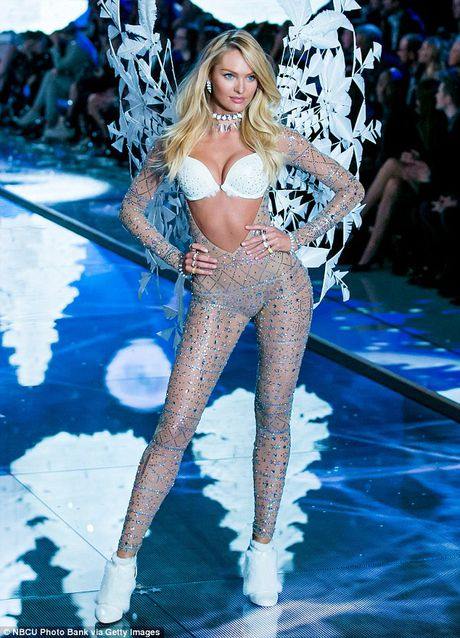 12 thien than vang mat o Victoria's Secret Show 2016 - Anh 1