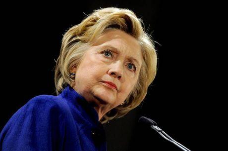 Ba Clinton sap tiet lo ve nguoi ngoai hanh tinh? - Anh 1