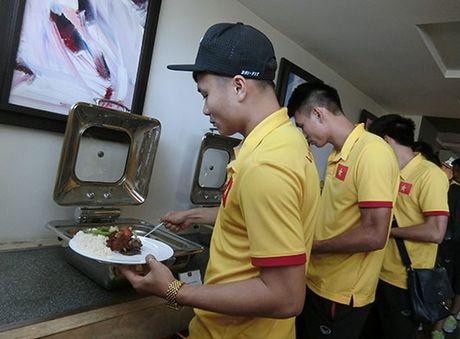 Tuyen Viet Nam tai AFF Cup: Lai chuyen my tom, ruoc, lac - Anh 1