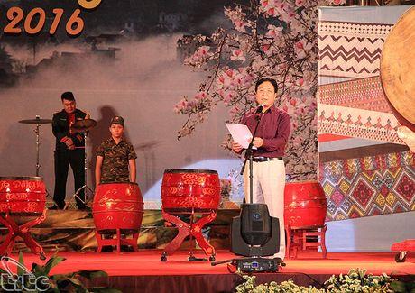 Khai mac Ngay hoi Huong sac vung cao tai Ha Noi - Anh 1