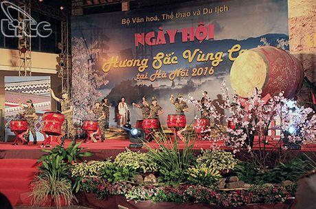 Khai mac Ngay hoi Huong sac vung cao tai Ha Noi - Anh 3