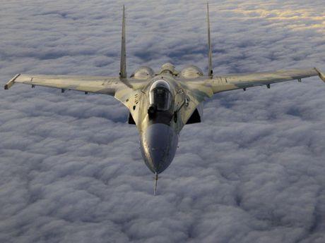Su-35 Nga bi 2 may bay lang le bam theo - Anh 1